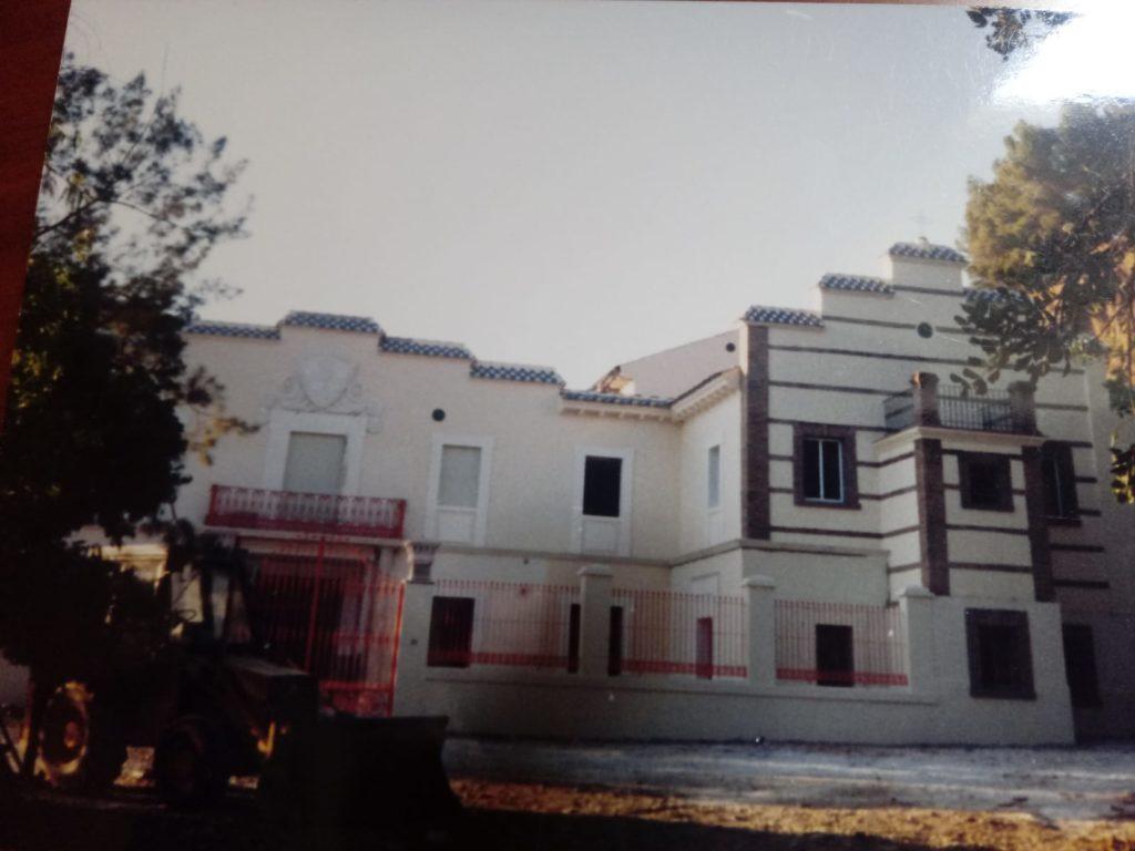 Terminando la reconstrucción de Villa Nazaret en 1994.